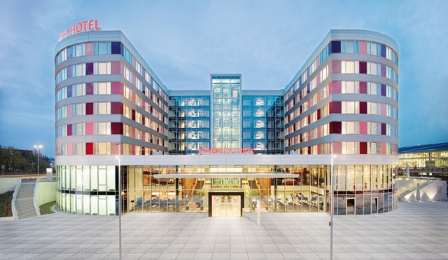 The New Mövenpick Hotel Stuttgart Airport Is An Exclusive Business With Exceptional Architecture And Magnificent Interior Design